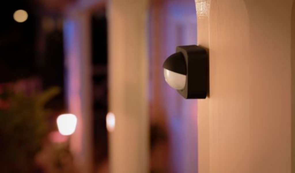 You are currently viewing How to Set Up Philips Hue Outdoor Motion Sensor