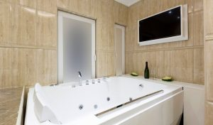 Read more about the article 11 Best Smart Devices for Your Bathroom [UK Guide]